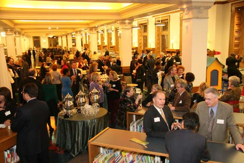 Cocktail hour during the 24th Annual IBPA Benjamin Franklin Awards Ceremony