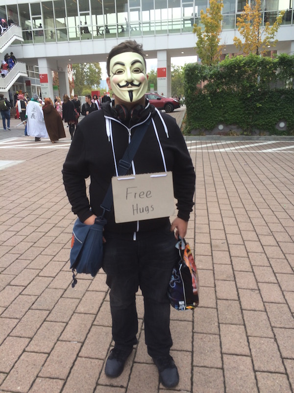 """We saw many people wearing a """"Free Hugs"""" sign!"""