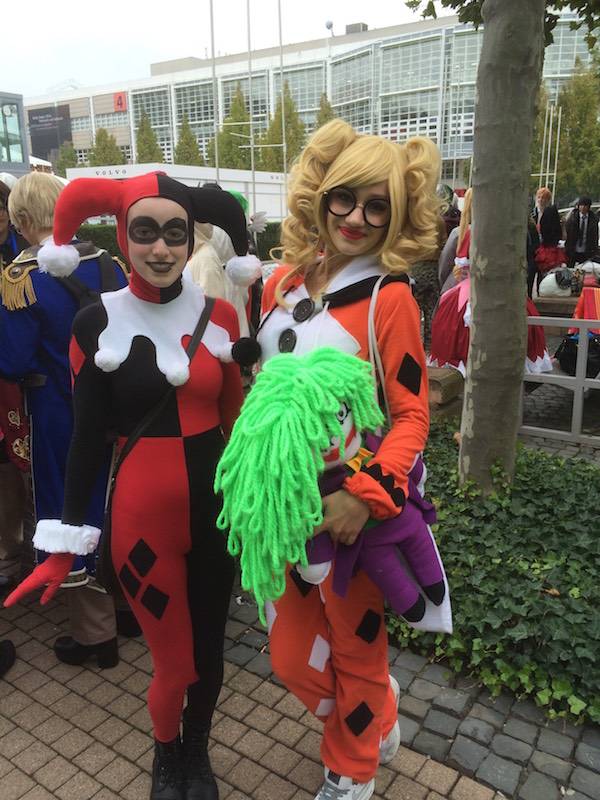 Do you know who they are dressed as? If you do... let us know!